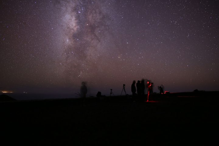 Observing and taking pictures of the Milky Way near Teneguía volcano in Fuencaliente, La Palma