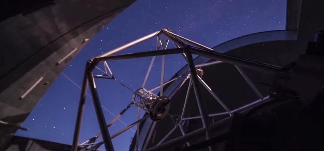 Gran Telescopio de Canarias observando estrellas La Palma